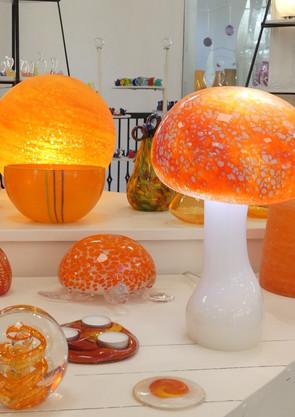 ambiance orange et lampe champignon