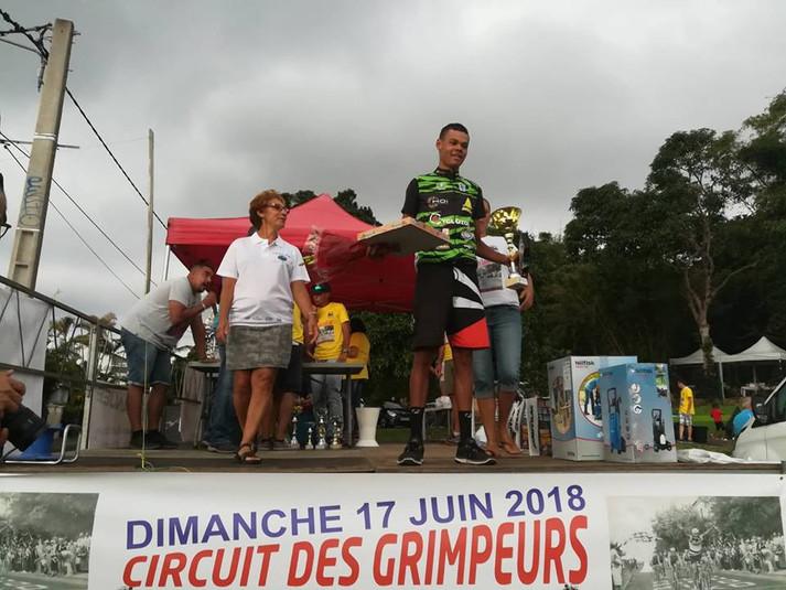 Julien champion espoir (2 scratch), rémi 4, Doriand 5, Romain 9 Guillaume vainqueur minime