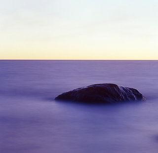 stein i tåkehav