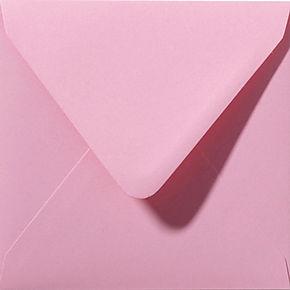 enveloppe de couleur rose foncé