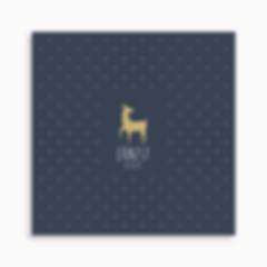 faire-part de naissance jeune cerf sur motif triangle pour garçon de couleur bleu foncé