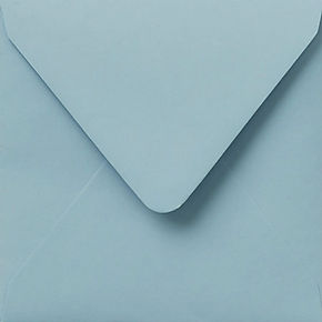enveloppe de couleur bleu doux
