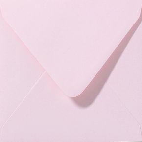 enveloppe de couleur rose clair