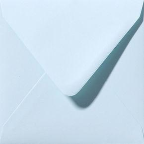 enveloppe de couleur bleu clair