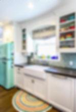 Beach farmhous style kitchen