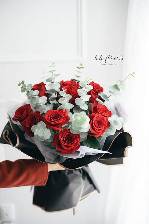 LF Red rose bouquet