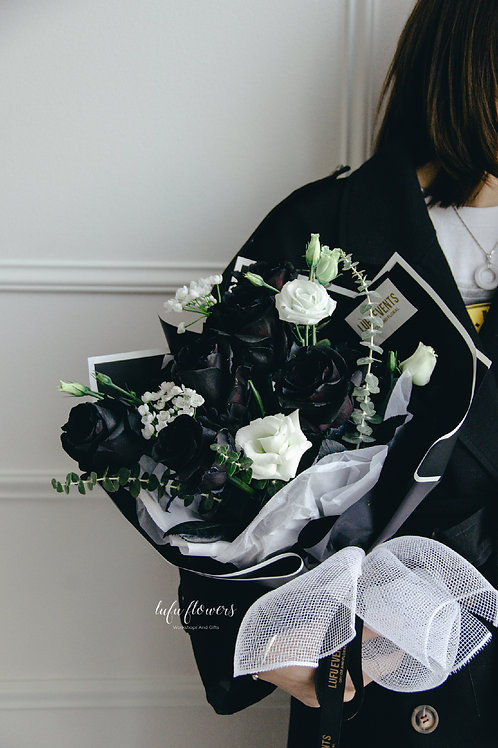 LF Black and white bouquet