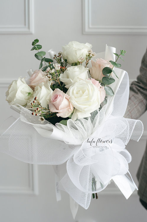 LF Withe and pink roses Mix bouquet