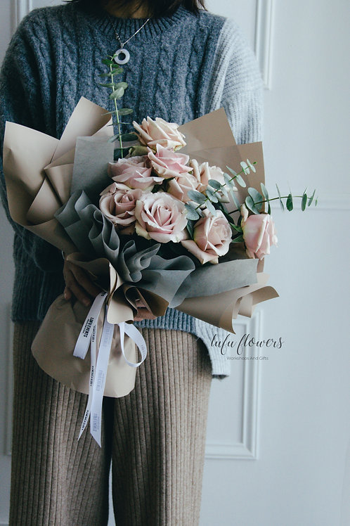 LF Roses and greenery bouquet