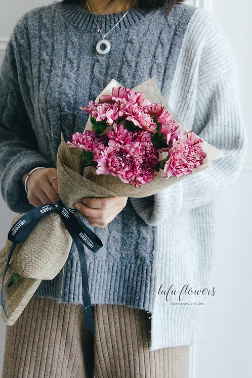 LF Carnation bouquet