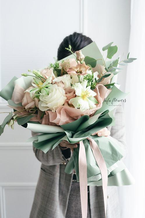 LF Mixed flowers design bouquet