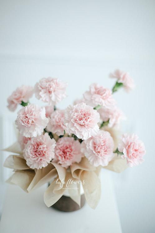 LF Carnation flower arrangement