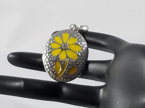 Silver Pendant with yellow flower