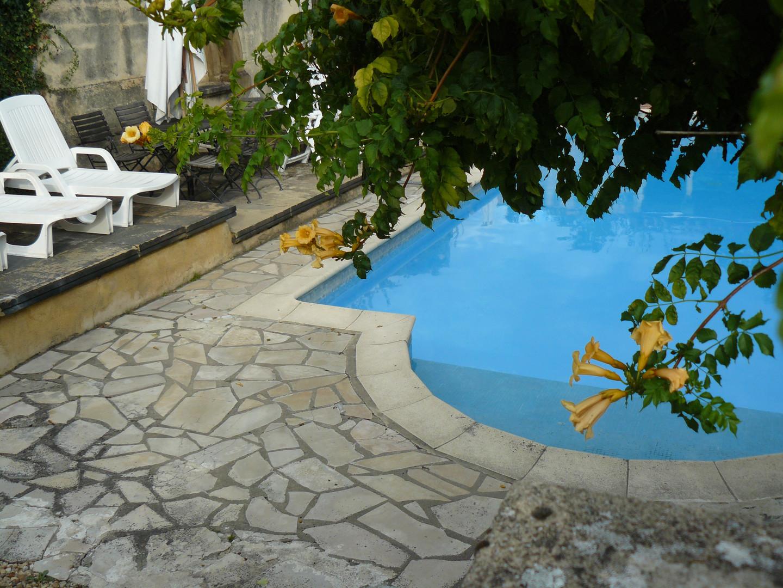 Les Amandiers swimming pool (3)