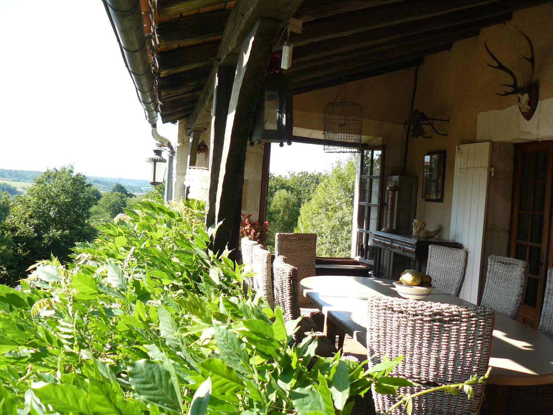 Balcony dining table 3