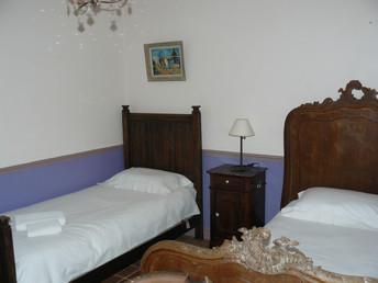 Twin room ground floor (2)