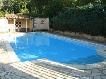 Les Amandiers swimming pool (2)