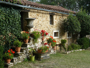 Les Amandiers garden (1)