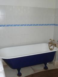 Bathroom Lakeside Apartment (1)
