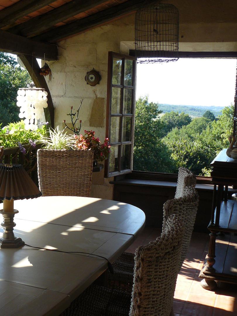 Balcony dining table