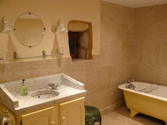 Marble bathroom (1)