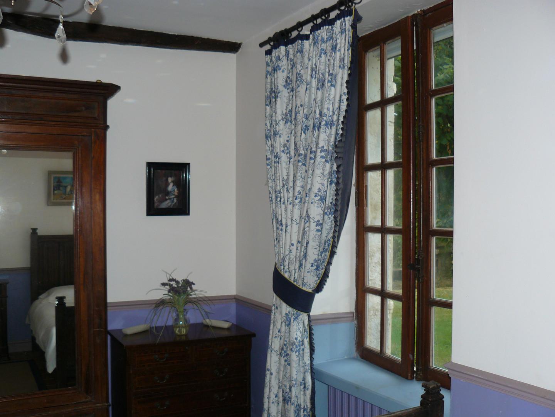 Twin room ground floor (3)