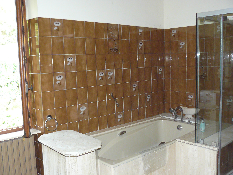 Bathroom first floor (2)