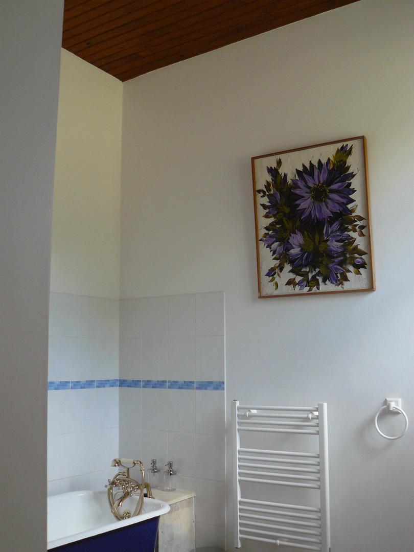 Bathroom Lakeside Apartment (3)