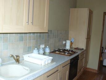 Kitchen Middle Apartment (1)