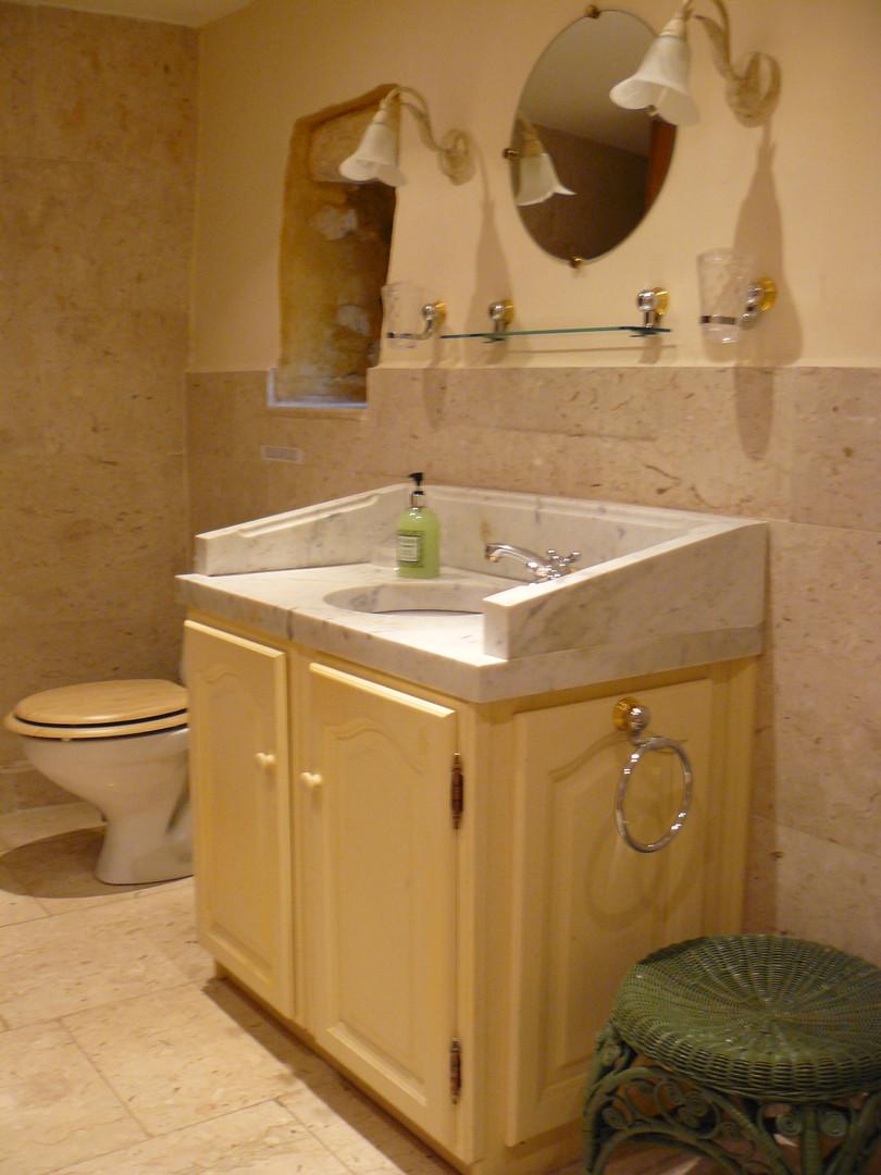 Marble bathroom (3)