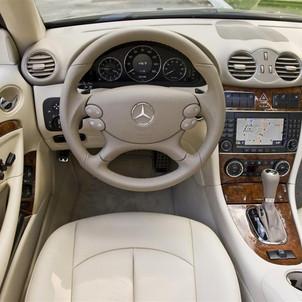 2009_Mercedes-Benz-CLK-Class-i006-1024.j