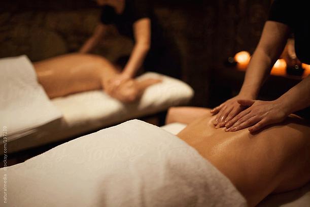 Couples-Massage.png