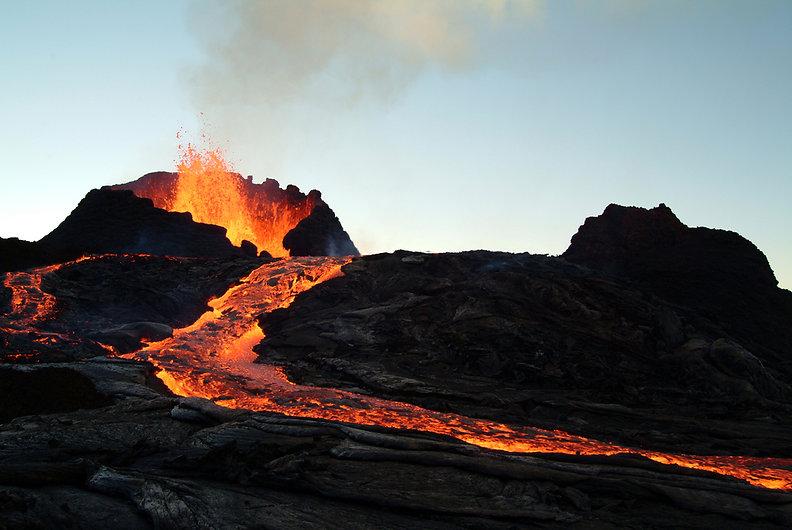 volcano-eruption_shutterstock_5022016.jp