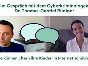 Interview: Wie können Eltern ihre Kinder im Internet schützen?