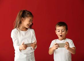 fudder.de: Wann ist mein Kind alt genug für ein eigenes Smartphone?
