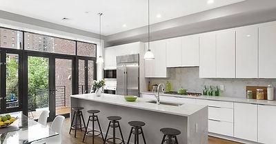 modern-kitchen-with-breakfast-nook-break