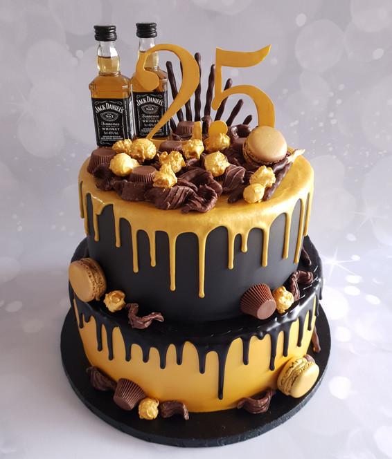 Zwart/gouden chocolade drip taart