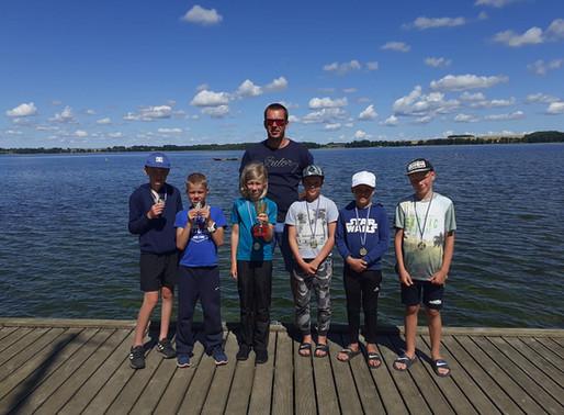 Tulevased noored kaptenid käisid Saadjärvel purjelaagris
