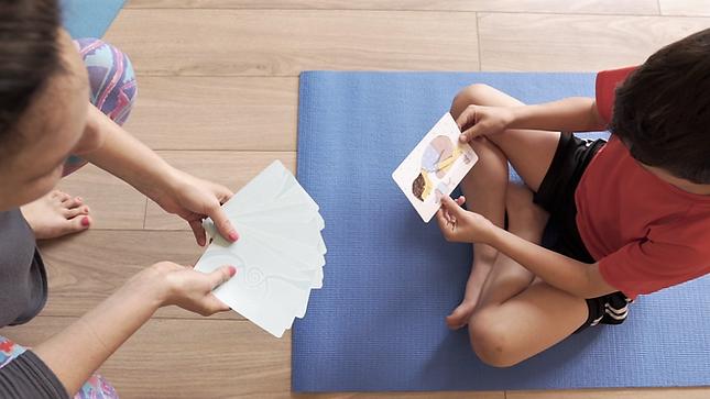 Yogi fun yoga kit cards