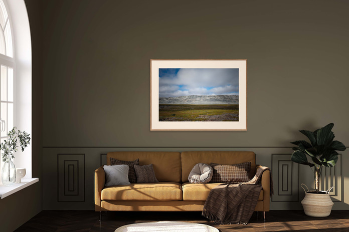 Interior-Mockup-Wood-Frame-04-kongsfjordfjellet.jpg