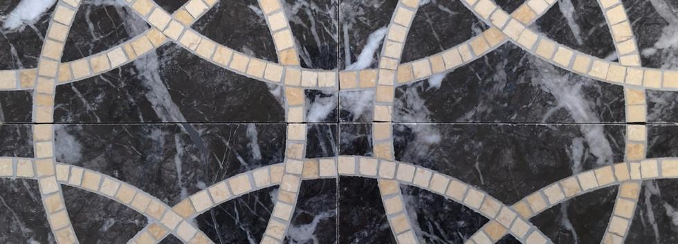 nero carnico e mosaico