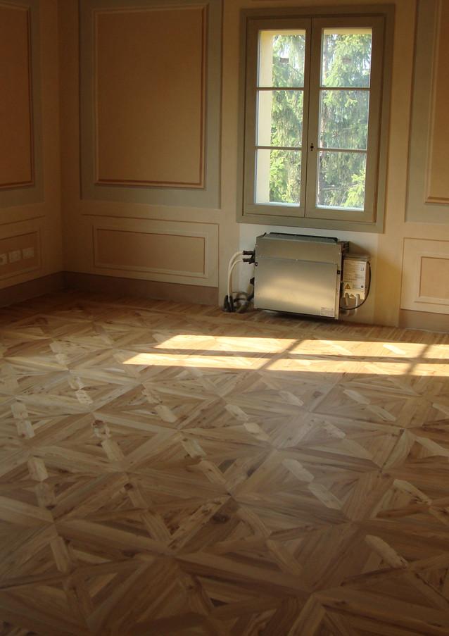 NEROPARQUET Versailles Rovere nodato.JPG