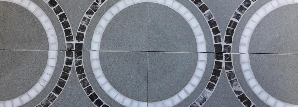 pietra serena e mosaico