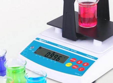 قياس كتلة المادة ووزنها