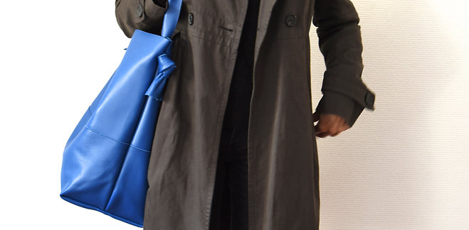 Bonnie XL - electric blue color
