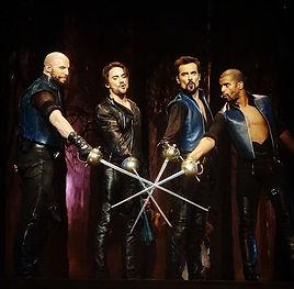 armes garcia armes armures duraluminium cinéma théâtre vente location achat épée sabre combat escrime spectacle rapière résine dague les trois mousquetaires