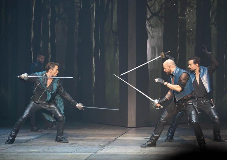 épées aluminium dural duraluminium escrime artistique cinélames mousquetaires