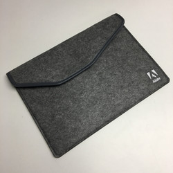 Adobe 氈毛電腦袋