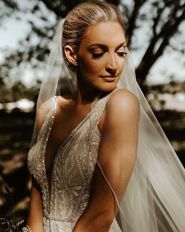 Elegant glamorous effortless bridal beau