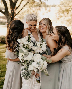 Bride tribe 🌿 🕊Lynn and her beautiful